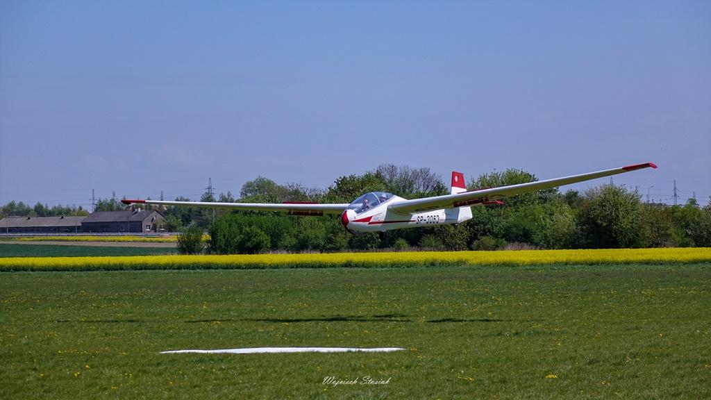 Teren płockiego lotniska coraz mniejszy